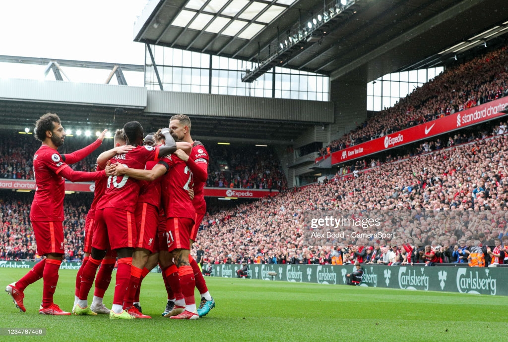 Liverpool 2-0 Burnley: Jota and Mane fire Liverpool to top of the pile