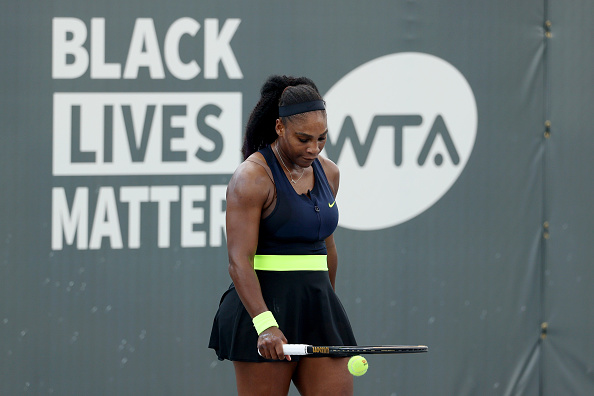 Serena holds off Venus in hard-fought Top Seed Open clash