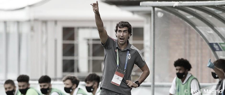 Instantánea del técnico blanco durante un encuentro de la UEFA Youth League | Fuente: www.realmadrid.com