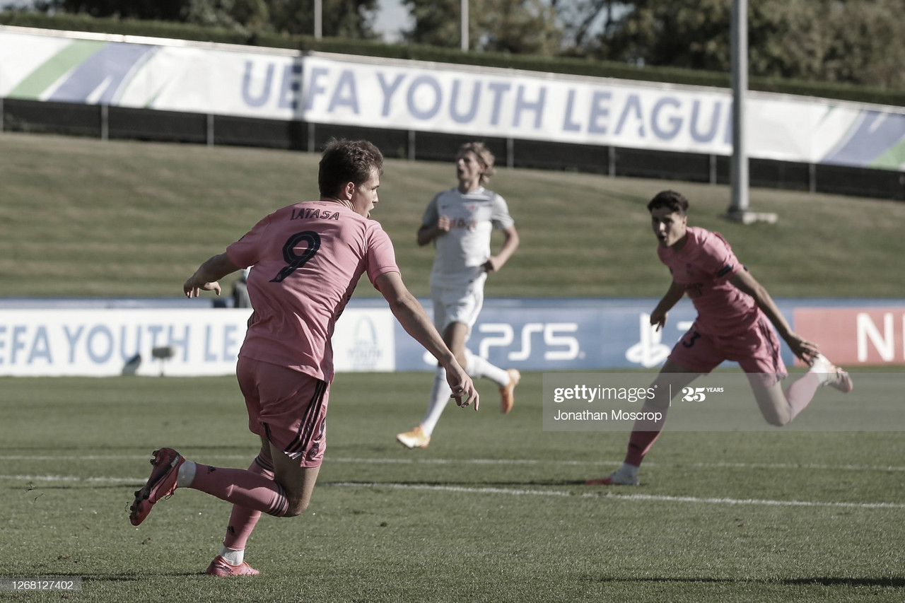 Juanmi Latasa, durante la UEFA Youth League 2020/21 | Fuente: Getty Images (Jonathan Moscrop)