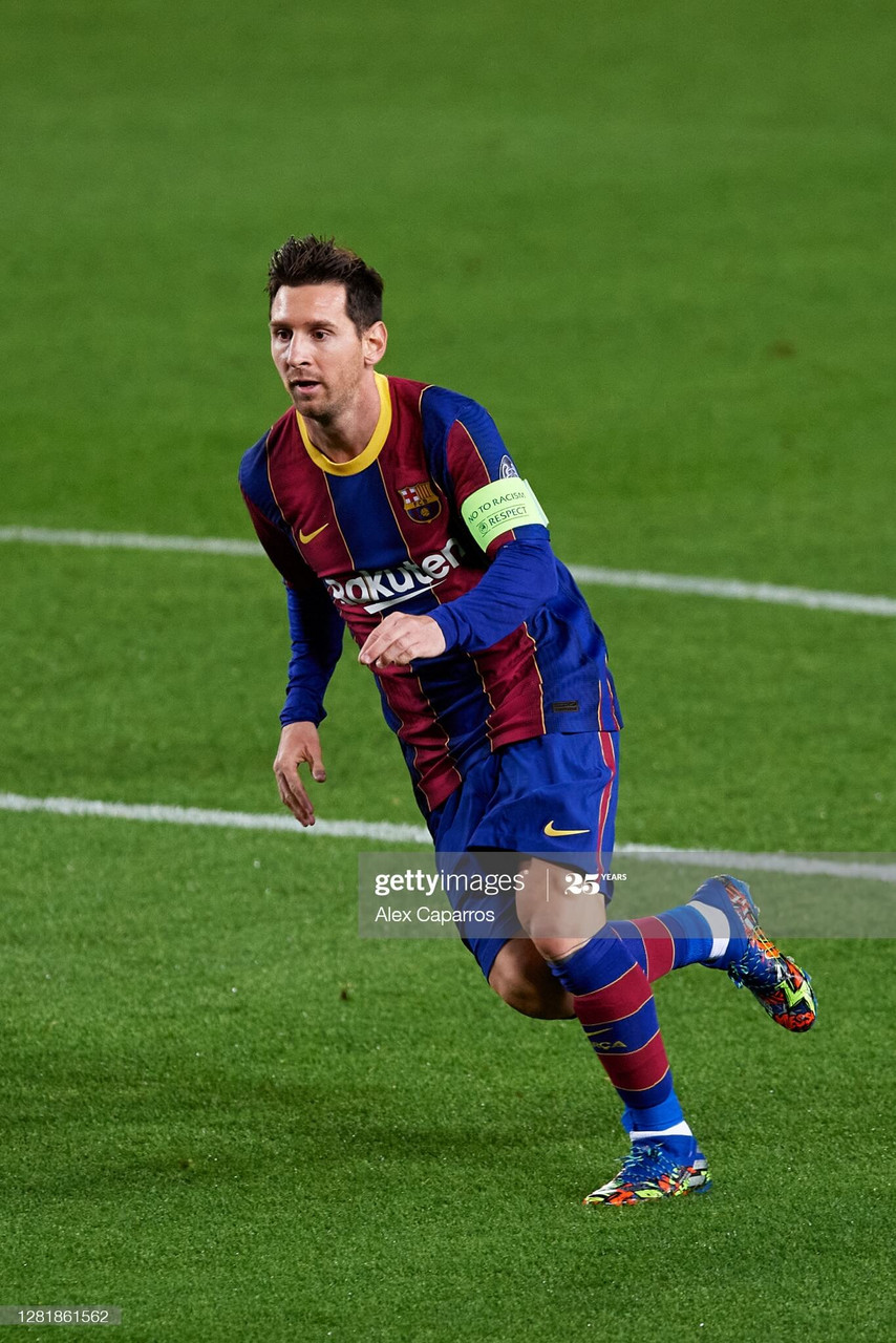 <div>FC Barcelona v Ferencvaros Budapest: Group G - UEFA Champions League</div><div>BARCELONA, SPAIN - OCTOBER 20: Lionel Messi of FC Barcelona runs during the UEFA Champions League Group G stage match between FC Barcelona and Ferencvaros Budapest at Camp Nou on October 20, 2020 in Barcelona, Spain. Sporting stadiums around Europe remain under strict restrictions due to the Coronavirus Pandemic as Government social distancing laws prohibit fans inside venues resulting in games being played behind closed doors. (Photo by Alex Caparros/Getty Images)</div>