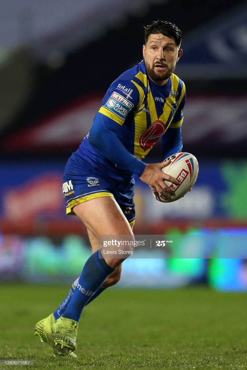 ST HELENS, ENGLAND - OCTOBER 30: Gareth Widdop of Warrington Wolves in action during the Betfred Super League match between Warrington Wolves and Huddersfield Giants at Totally Wicked Stadium on October 30, 2020 in St Helens, England. Sporting stadiums around the UK remain under strict restrictions due to the Coronavirus Pandemic as Government social distancing laws prohibit fans inside venues resulting in games being played behind closed doors. (Photo by Lewis Storey/Getty Images)