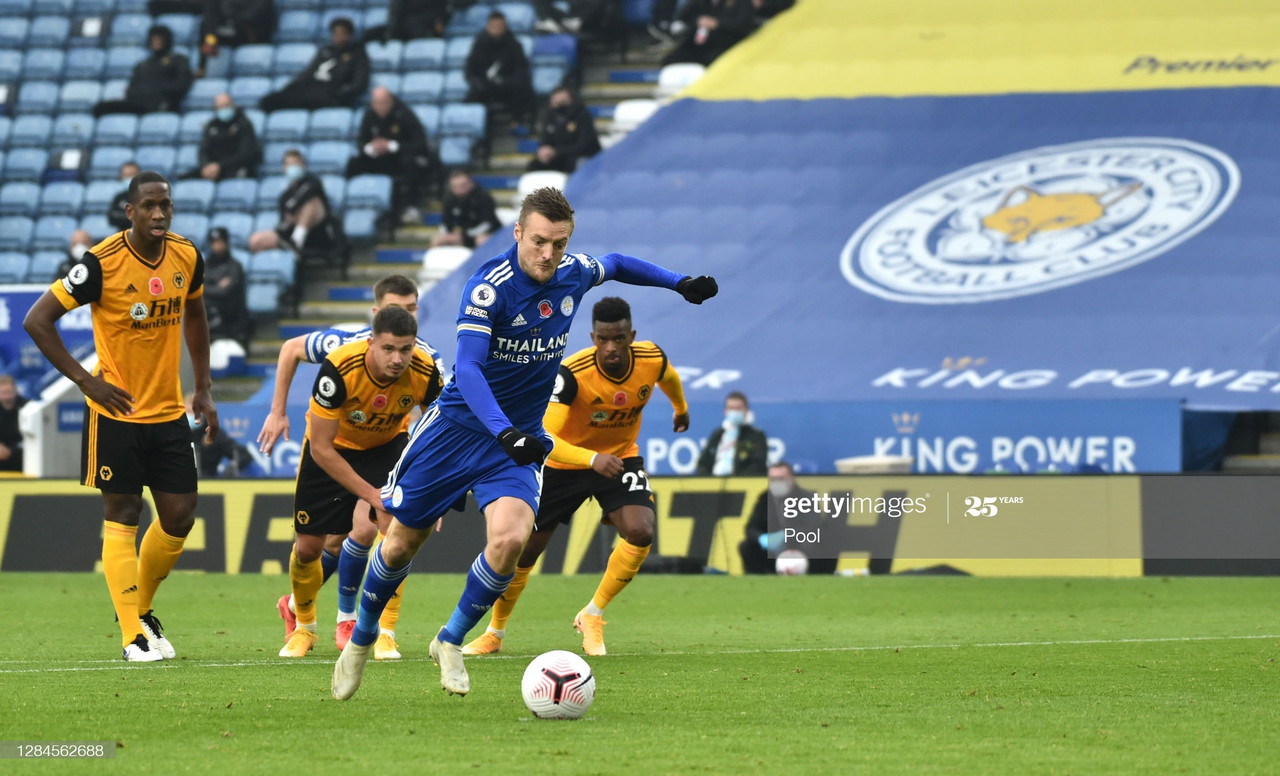 LEICESTER, ENGLAND - NOVEMBER 08: Jamie Vardy of Leicester City scores his sides first goal from the penalty spot during the Premier League match between Leicester City and Wolverhampton Wanderers at The King Power Stadium on November 08, 2020 in Leicester, England. Sporting stadiums around the UK remain under strict restrictions due to the Coronavirus Pandemic as Government social distancing laws prohibit fans inside venues resulting in games being played behind closed doors. (Photo by Rui Vieira - Pool/Getty Images)