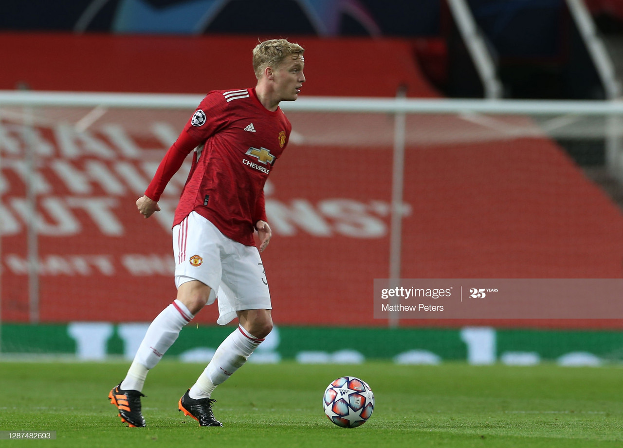 MANCHESTER, ENGLAND - NOVEMBER 24: Donny van de Beek of Manchester United in action during the UEFA Champions League Group H stage match between Manchester United and İstanbul Basaksehir at Old Trafford on November 24, 2020 in Manchester, England. (Photo by Matthew Peters/Manchester United via Getty Images)