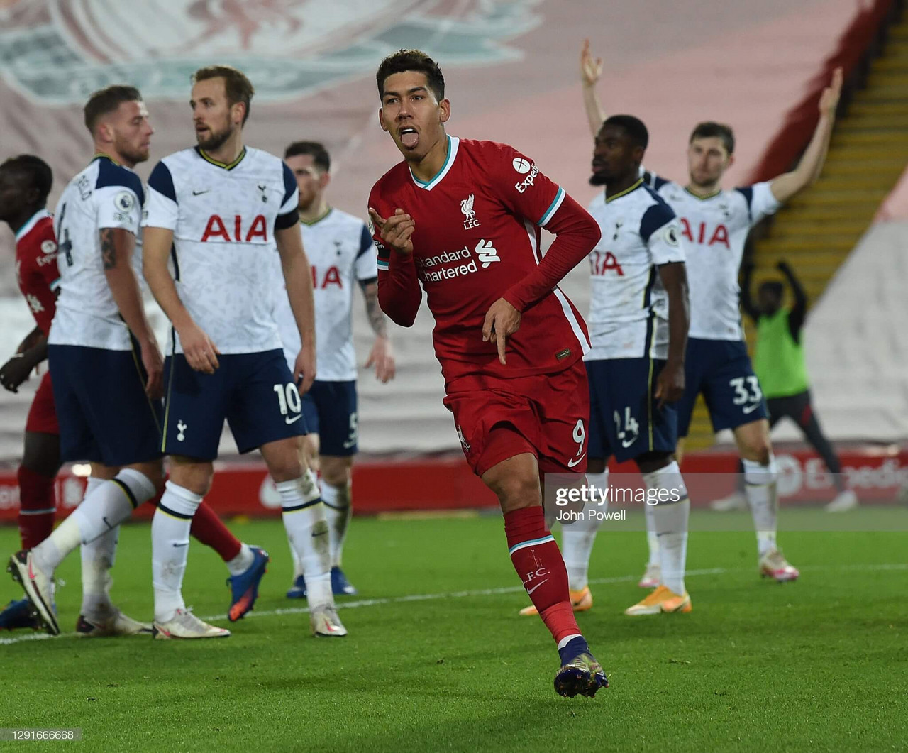 Liverpool 2-1 Spurs: Reds steal a march as Firmino snatches victory