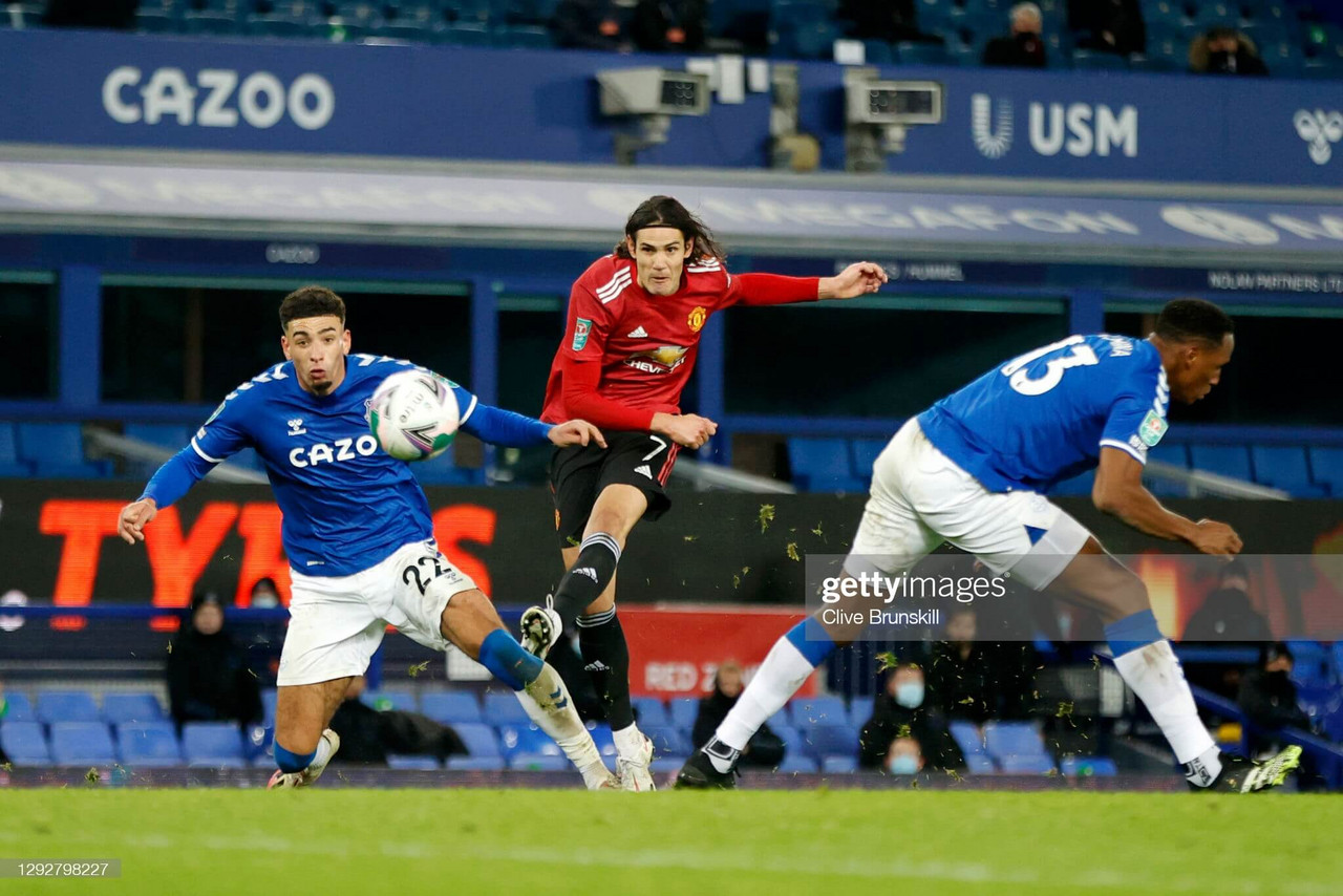 Everton 0-2 Manchester United: Cavani hammers United through to the semi-finals at the death