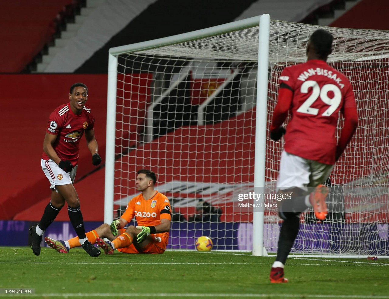 Manchester United 2-1 Aston Villa: Player ratings