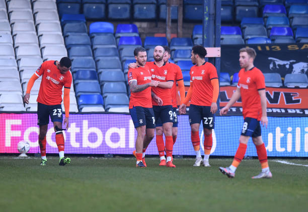 Luton Town 1-0 Reading: Moncur volley sees Hatters through to FA cup Fourth Round
