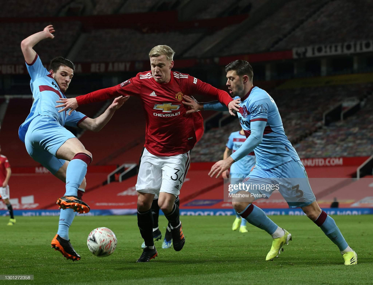 Manchester United - The Donny van de Beek issue
