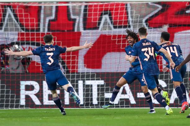 Olympiacos 1-3 Arsenal: Gunners avoid deja vu in Greece