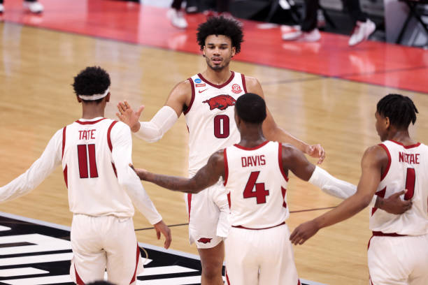 2021 NCAA Tournament: Arkansas overcomes early deficit, runs past Colgate