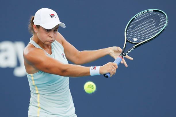 WTA Miami: Ashleigh Barty cruises past Elina Svitolina