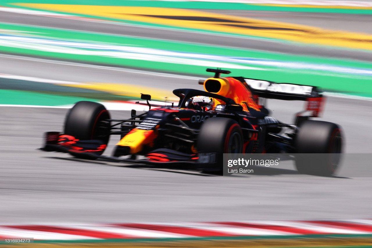 2021 Spanish GP FP3 - Verstappen pips Hamilton to the top spot, as Ferrari picks up pace.