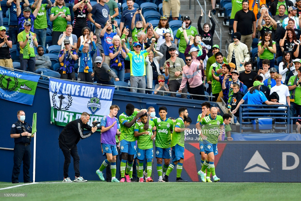 Seattle 2-0 Houston: Sounders set MLS record with victory over Dynamo