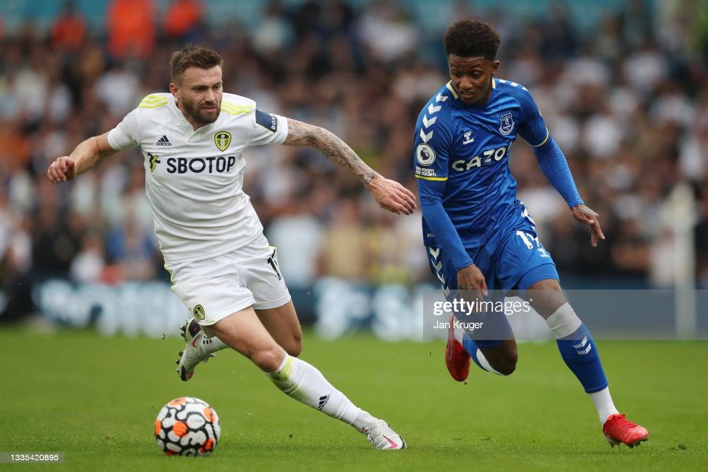Leeds United 2-2 Everton: Raphinha stunner earns point for Leeds