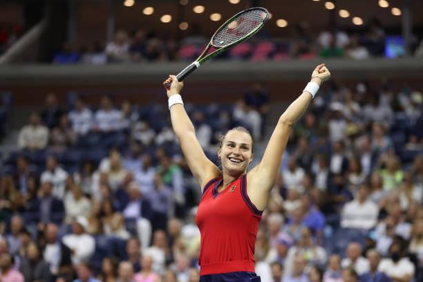 US Open: Aryna Sabalenka cruises past Barbora Krejcikova