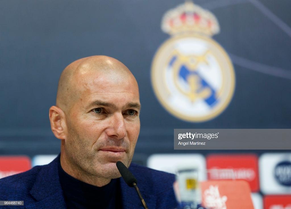 Zidane regressa ao Real Madrid