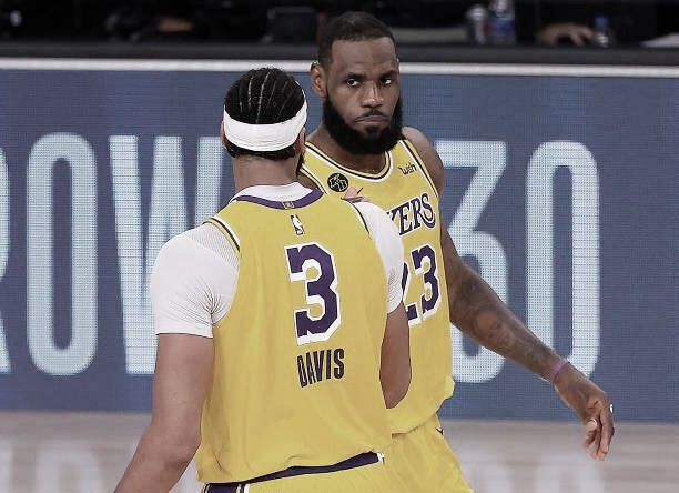 LeBron James y Anthony Davis. Vía: Getty Images