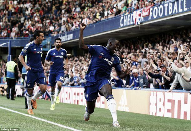 «Derby» londrino: Chelsea vence Arsenal em jogo marcado arbitragem polémica