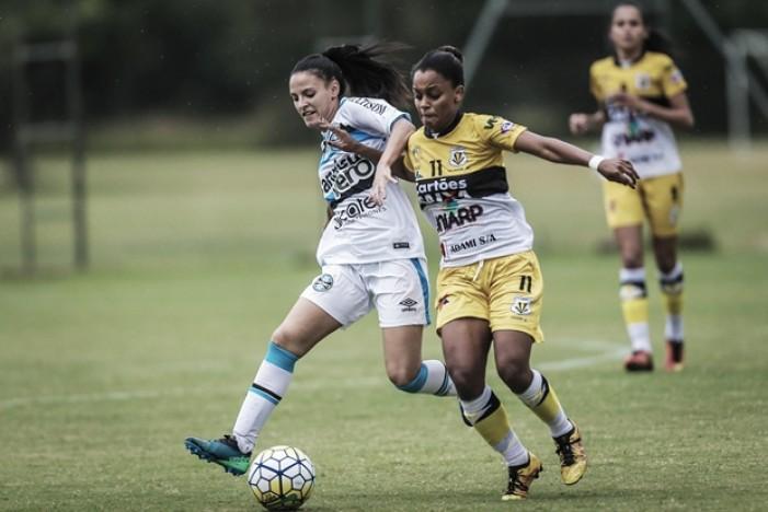 Fora de casa, Kindermann goleia e complica Grêmio no Brasileiro Feminino