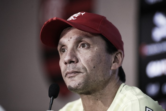 """Zé Ricardo evita fixação por posse de bola no Flamengo: """"O futebol muda"""""""