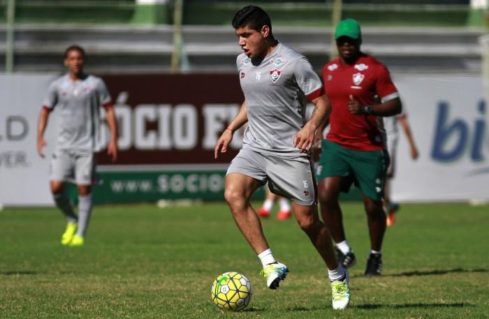 Claudio Aquino é regularizado e pode estrear pelo Fluminense