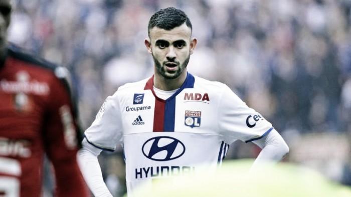 Milan, torna di moda il nome di Ghezzal: calciatore e agente di scena nella sede rossonera
