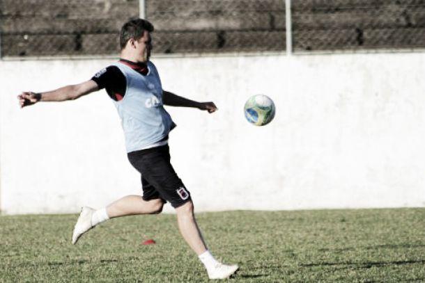 Paraná Clube recebe o Vila Nova esperando casa cheia