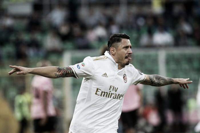 Após primeiro gol pelo Milan, atacante Lapadula é premiado com convocação à Itália