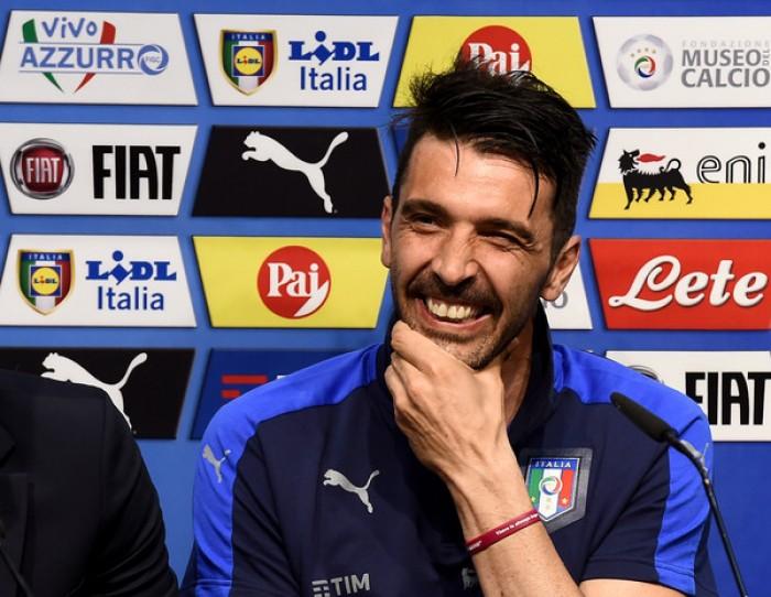 """Buffon chiama l'Italia: """"Ti devi mettere l'elmetto e partire subito all'assalto"""""""