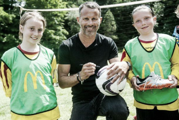Giggs visits Underhill Park