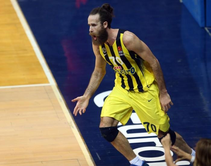 Datome e Bogdanovic mandano al tappeto l'Olympiacos: vince il Fener (67-64)