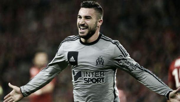 El Marsella golea y sigue teniendo opciones de Champions