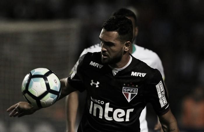 Empresário garante futuro de Gilberto longe do Brasil e frustra cariocas