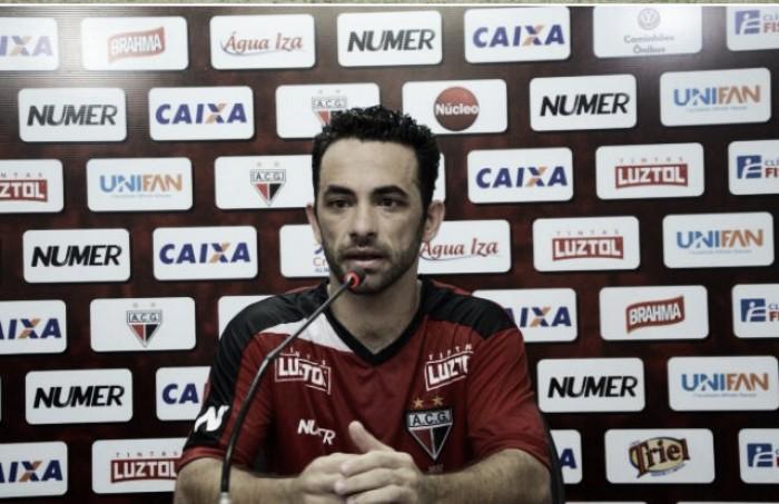 """Atacante Gilsinho enaltece vontade do Atlético-GO diante do Náutico: """"Foi fundamental"""""""