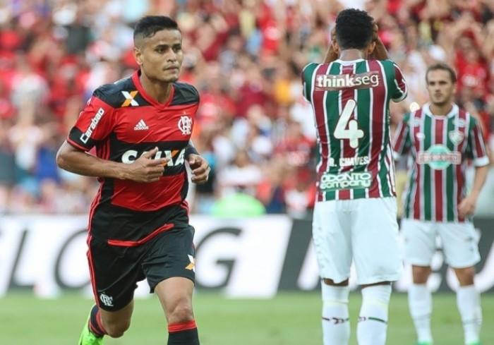 Éverton marca, Flamengo vence Fluminense e abre vantagem na final do Campeonato Carioca