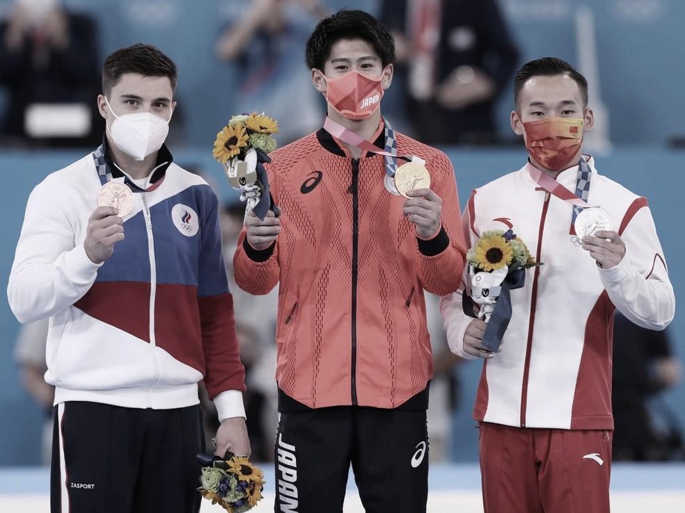 Com brasileiros longe do pódio, Hashimoto vence final individual na ginástica masculina em Tóquio