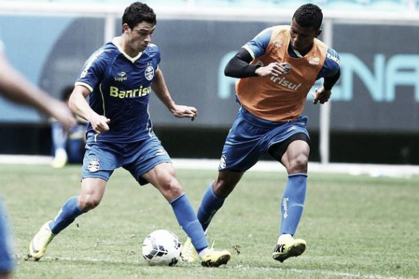 Na estreia de Giuliano, Grêmio recebe Goiás em busca do G-4