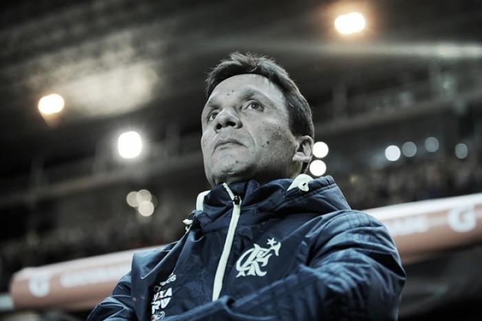 """Zé Ricardo lamenta eliminação precoce do Flamengo na Libertadores: """"Dia difícil para todos"""""""