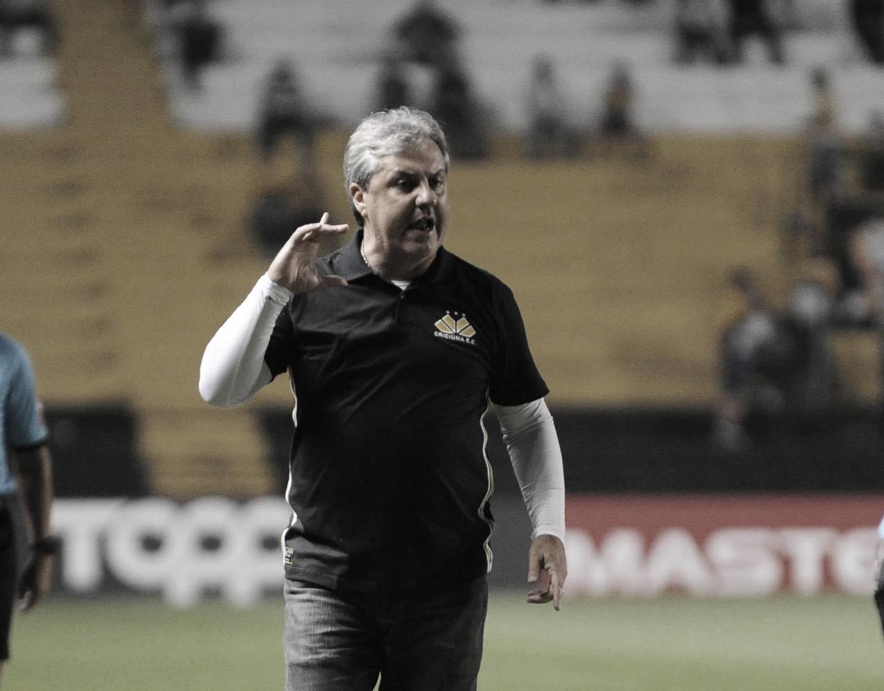 """Gilson Kleina comemora vitória do Criciúma em Pelotas: """"Espírito de Série B"""""""