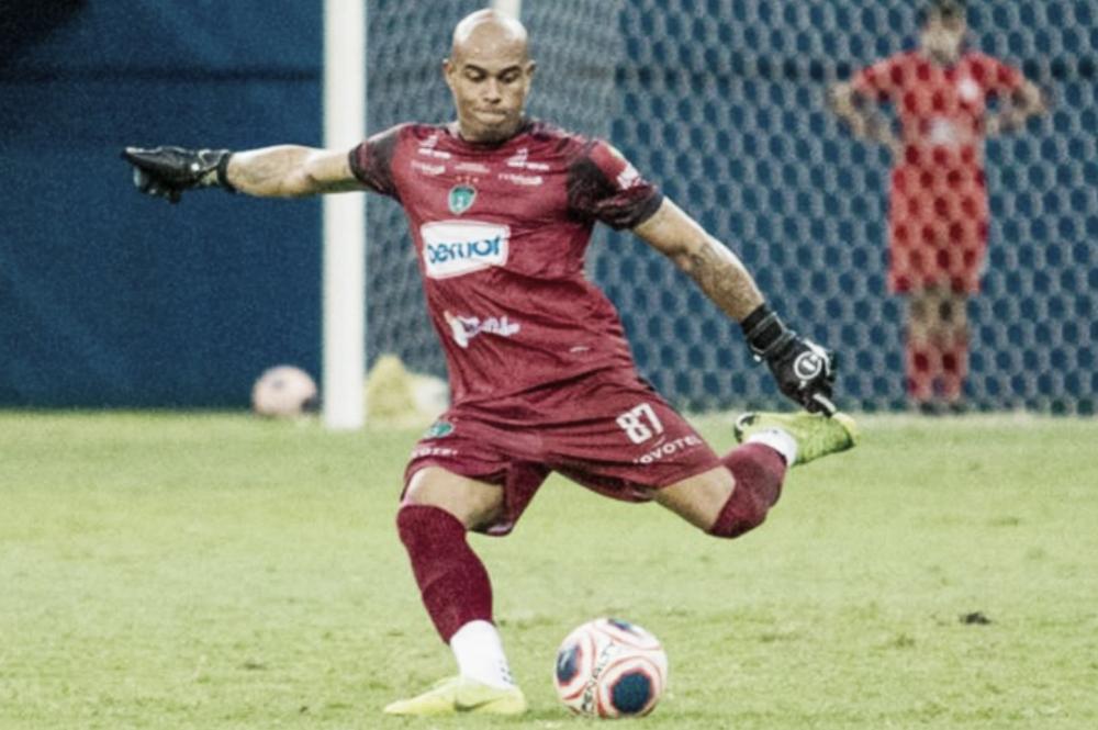 """Gleibson comemora vitória e comenta volta à equipe titular do Manaus: """"Estava preparado"""""""