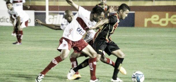 Mesmo jogando com um a menos desde o primeiro tempo, CRB segura empate com o Globo-RN