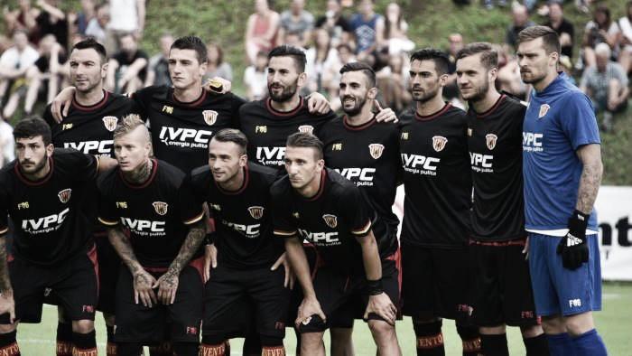 Benevento, Gaginovic risponde a D'Alessandro: è 1-1 contro l'Eintracht Francoforte
