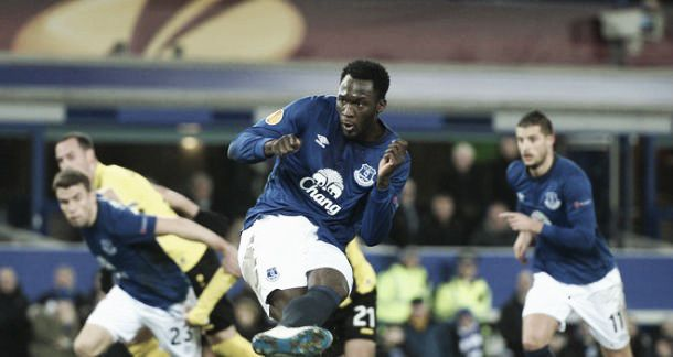 Everton 3-1BSC Young Boys(7-2) Agg: Toffee'skeep British interest in Europa League alive