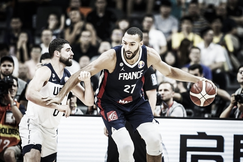Com grande atuação de Gobert, França derruba Estados Unidos e se classifica à semi do Mundial