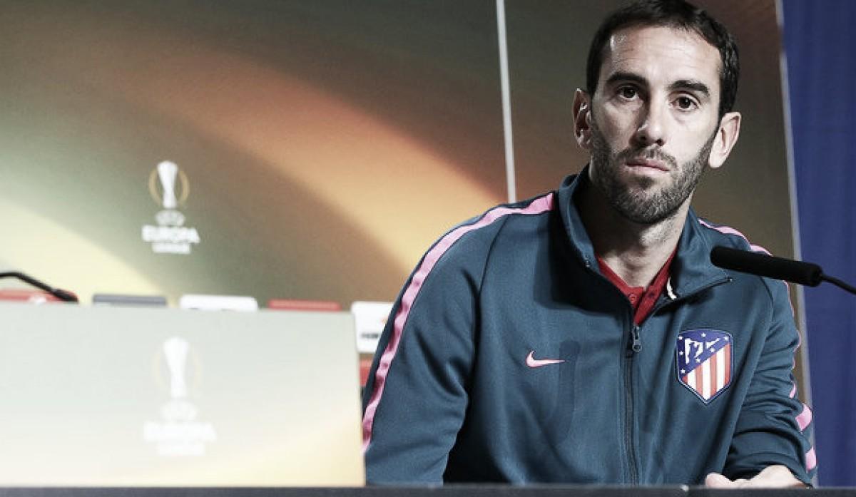 """Diego Godín: """"Intentamos minimizar las virtudes del rival desde el colectivo"""""""