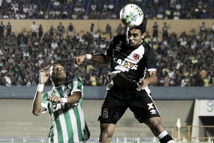 Em jogo truncado no Serra Dourada, Goiás e Vasco ficam no empate
