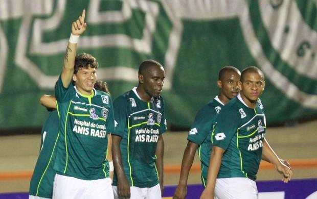 Em reestréia de Araújo, Goiás vence Santo André por placar mínimo e avança na Copa do Brasil