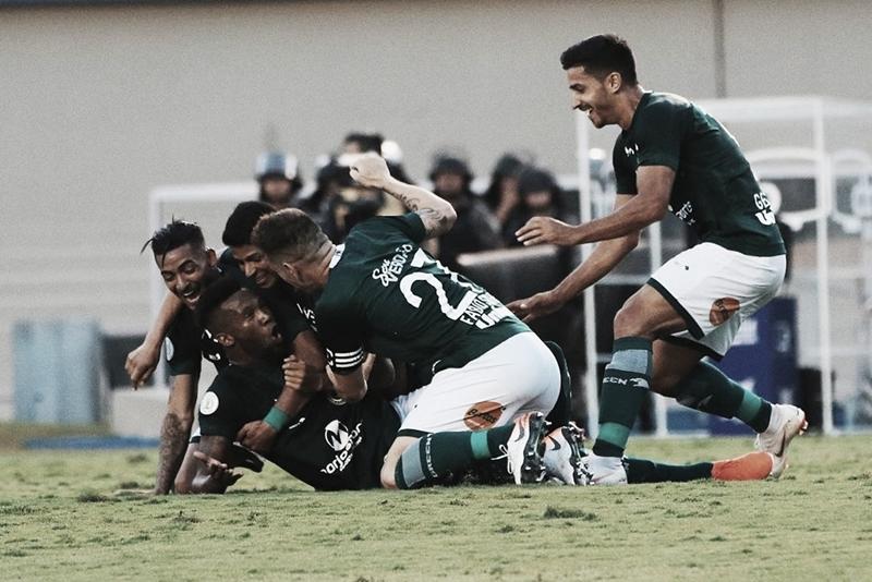 Em boa fase e vice-líder do returno, Goiás recebe Corinthians no Serra Dourada