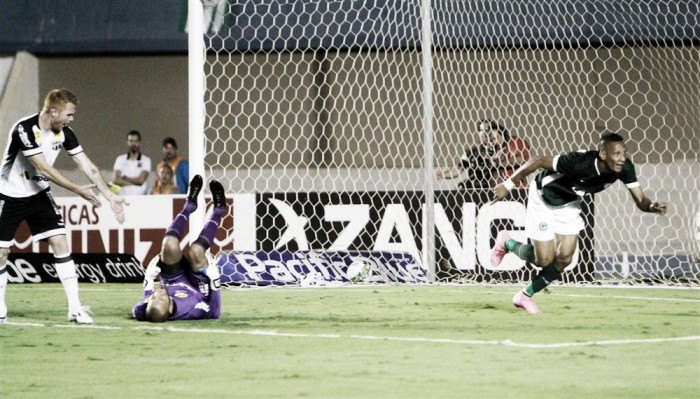 Na estreia de Kleina, Goiás bate Ceará com um gol em cada tempo e se afasta do Z4